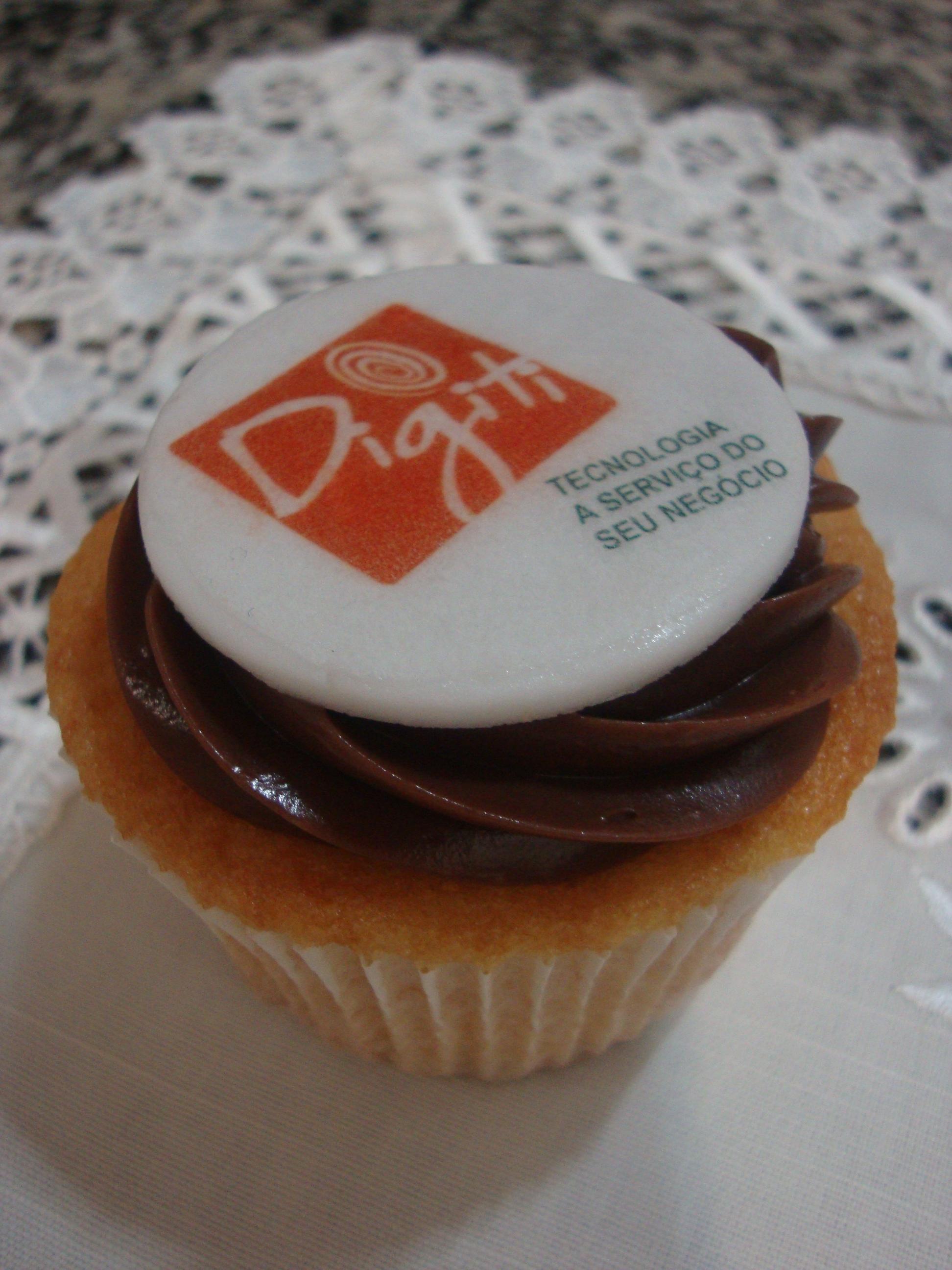 Cupcake Com Logotipo De Empresa Cute Cakes Confeitaria Artistica