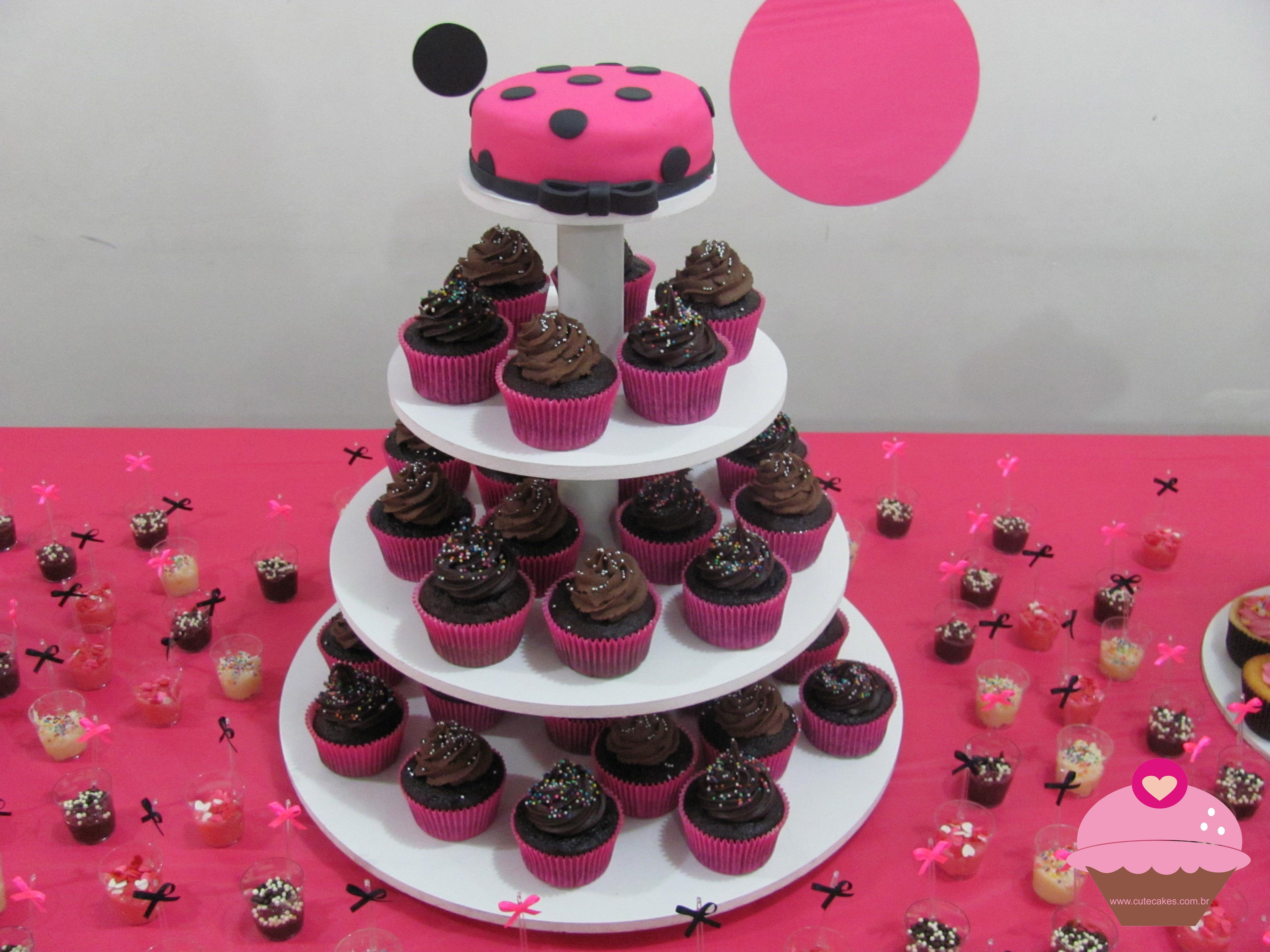 Torres De Cupcakes Com Bolo Cute Cakes Confeitaria Art Stica  ~ Cozinha Da Minnie De Verdade