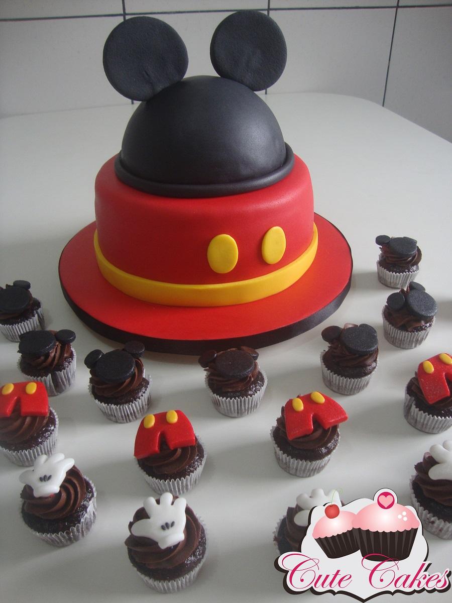 """Torre de mini cupcakes """"A casa do Mickey"""""""