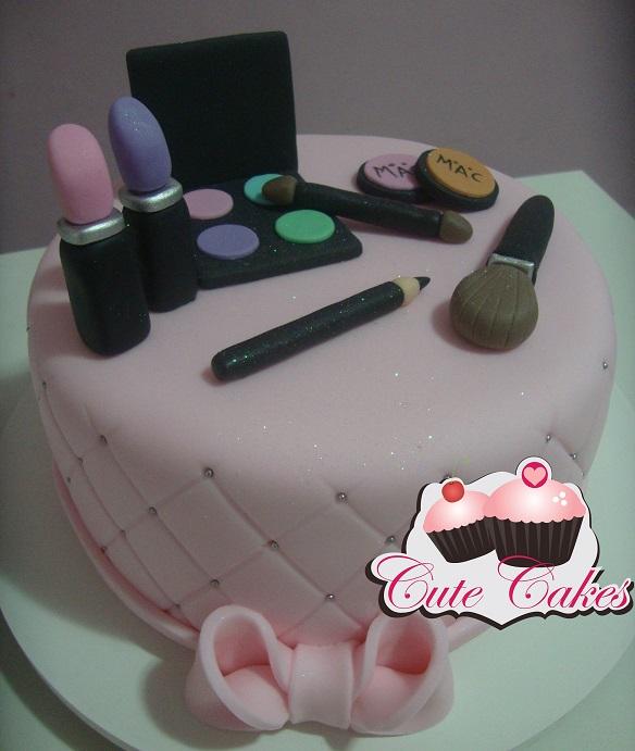 Bolo e cupcakes mac cute cakes confeitaria artstica categories bolo decorado moda altavistaventures Gallery